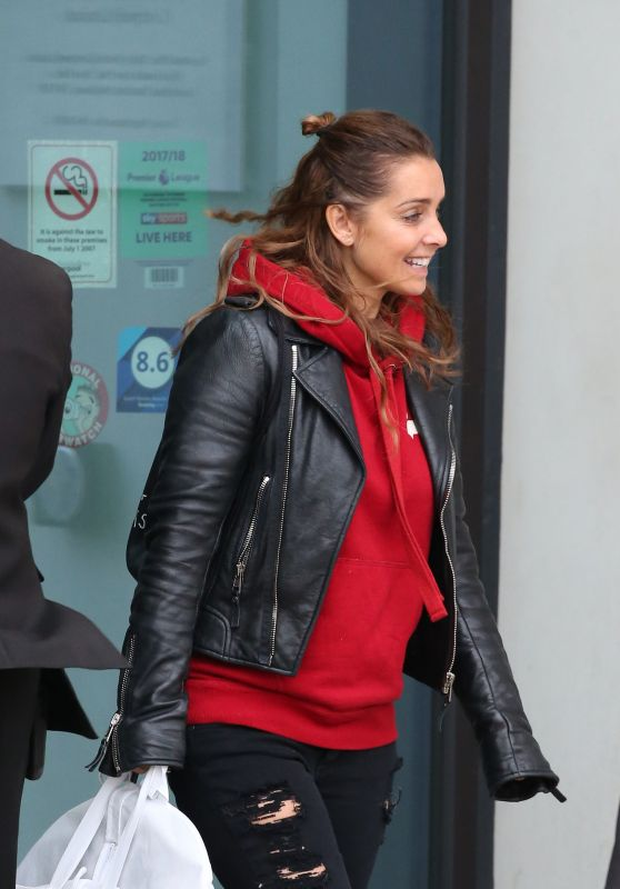 Louise Redknapp Street Style - Leaves The Hilton Hotel in Liverpool