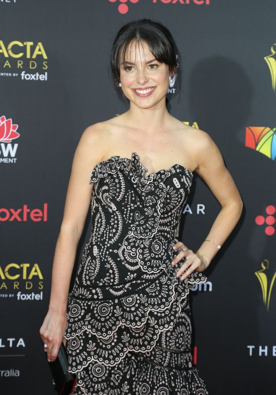 Madeleine Clunies-Ross – AACTA Awards2017 Red Carpet in Sydney