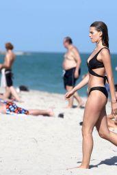 Madison Hendrik om Bikini - Miami 12/08/2017