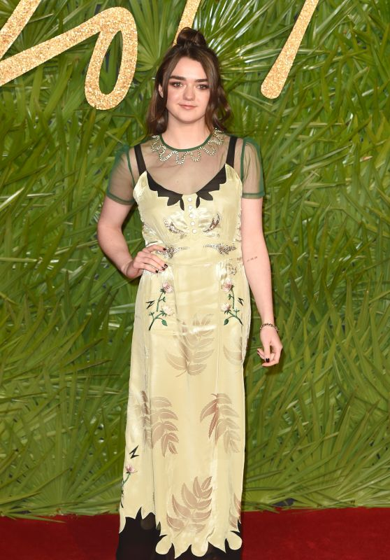 Maisie Williams – Fashion Awards 2017 in London