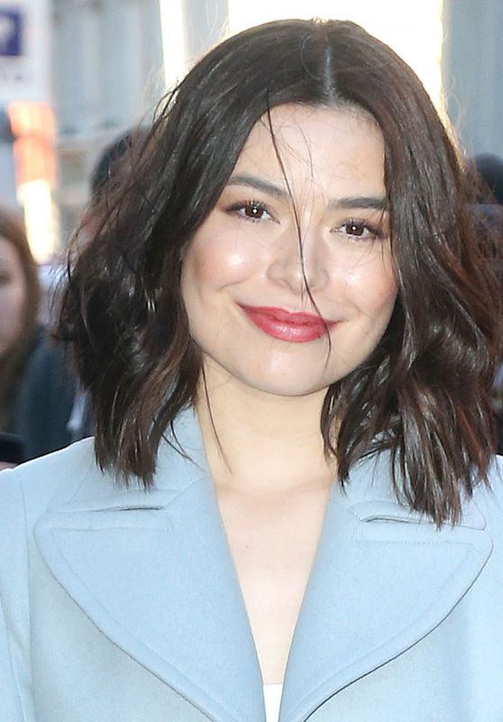 Miranda Cosgrove - BUILD in NYC 12/07/2017