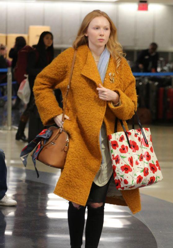 Molly Quinn Style in LA 12/20/2017