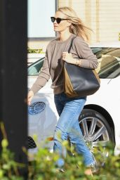 Molly Sims - Shopping With Her Husband in Los Angeles 12/19/2017