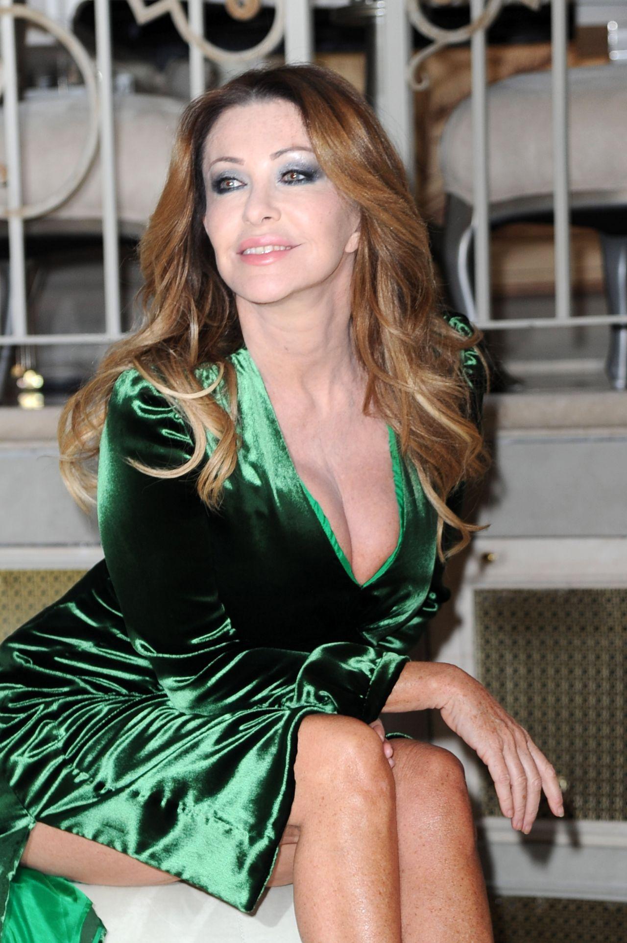 Paola Ferrari Quot I Il Spose Di Costantino Quot Premiere In Rome