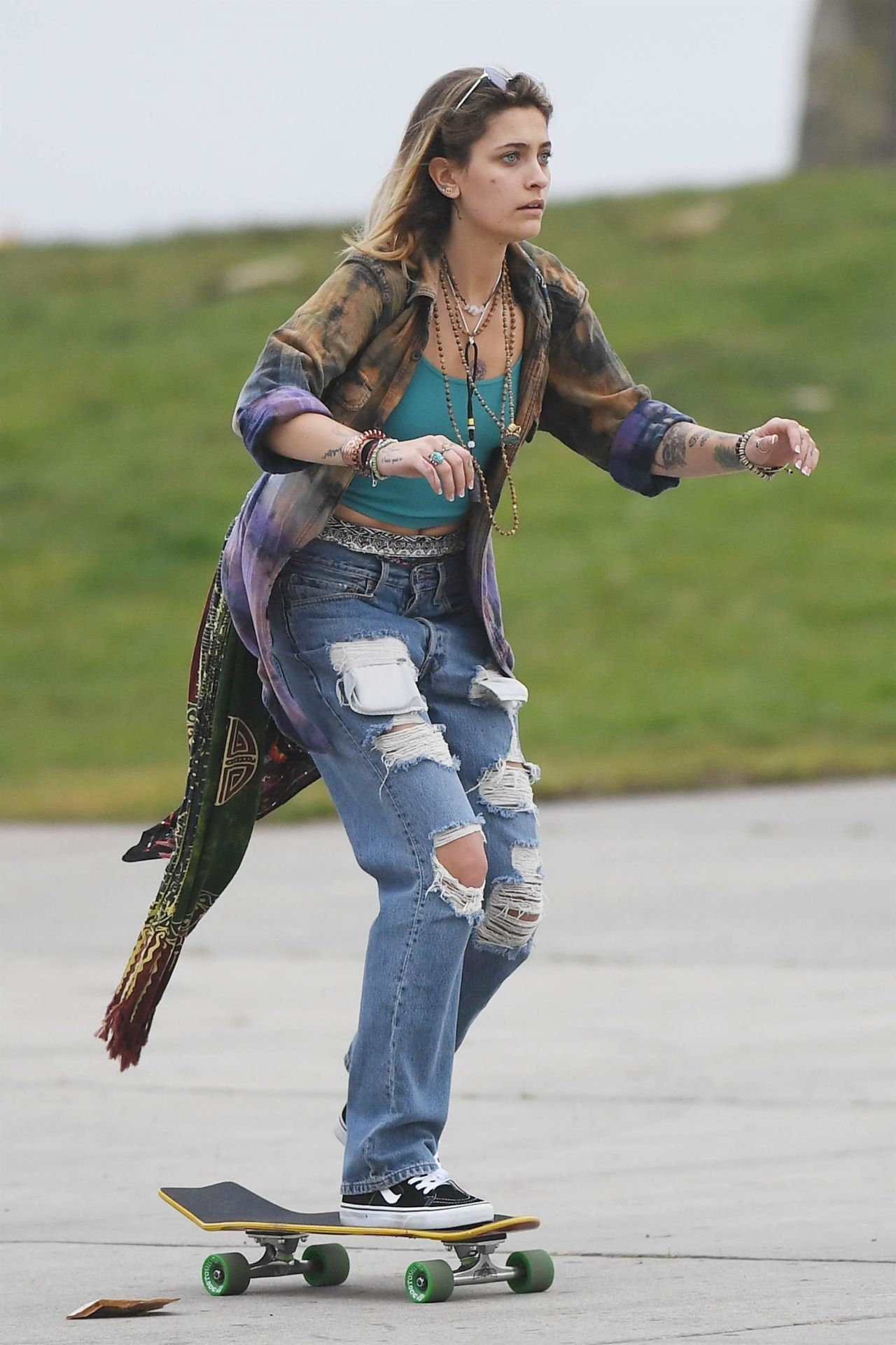 Paris Jackson Skateboarding At Venice Beach Boardwalk