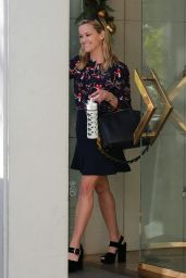 Reese Witherspoon - Leaving Her Office in Beverly Hills 12/05/2017