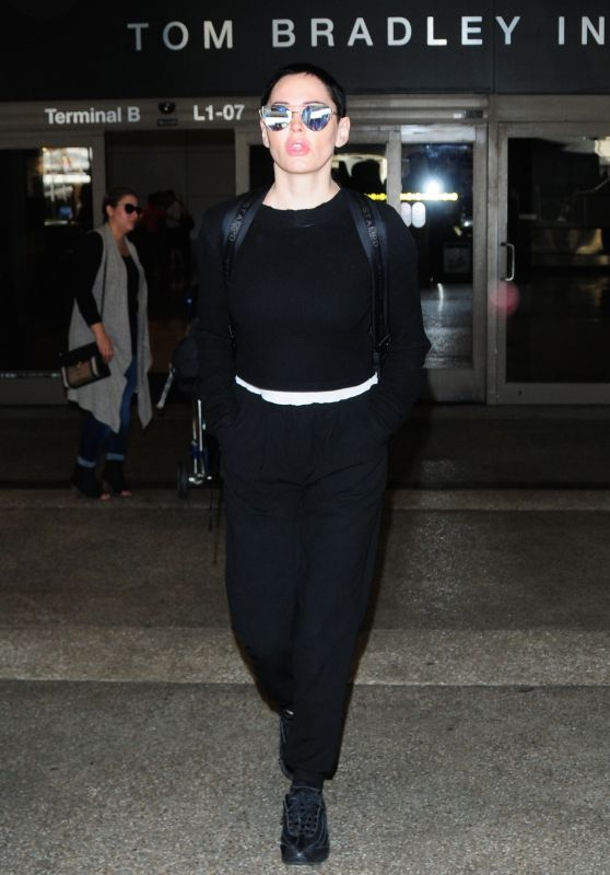 Rose McGowan at LAX International Airport in Los Angeles 12/04/2017