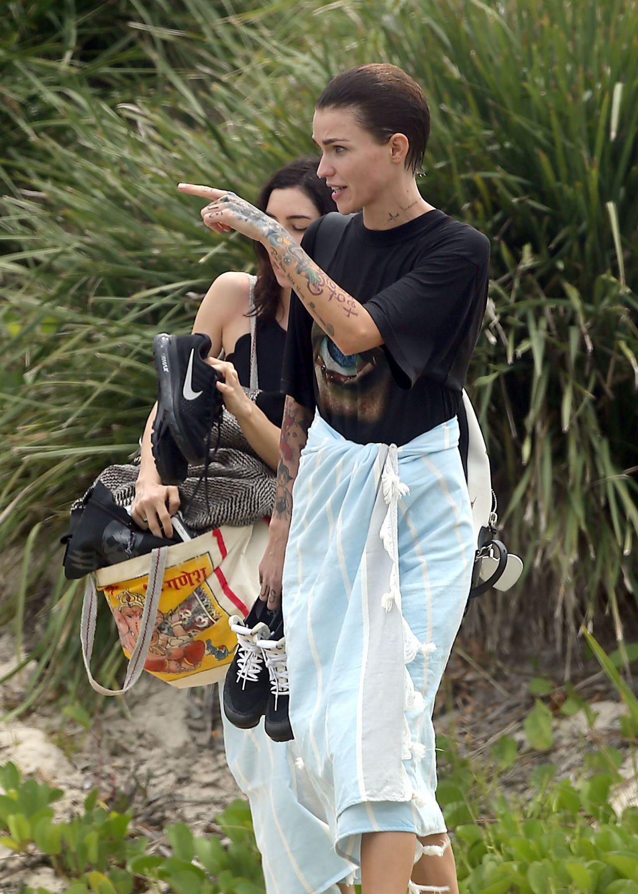 Ruby Rose With Girlfriend Jessica Origliasso Byron Bay Australia