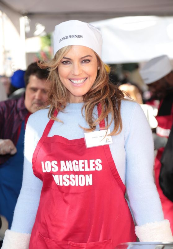 Sandra Taylor – Los Angeles Mission Serves Christmas to the Homeless