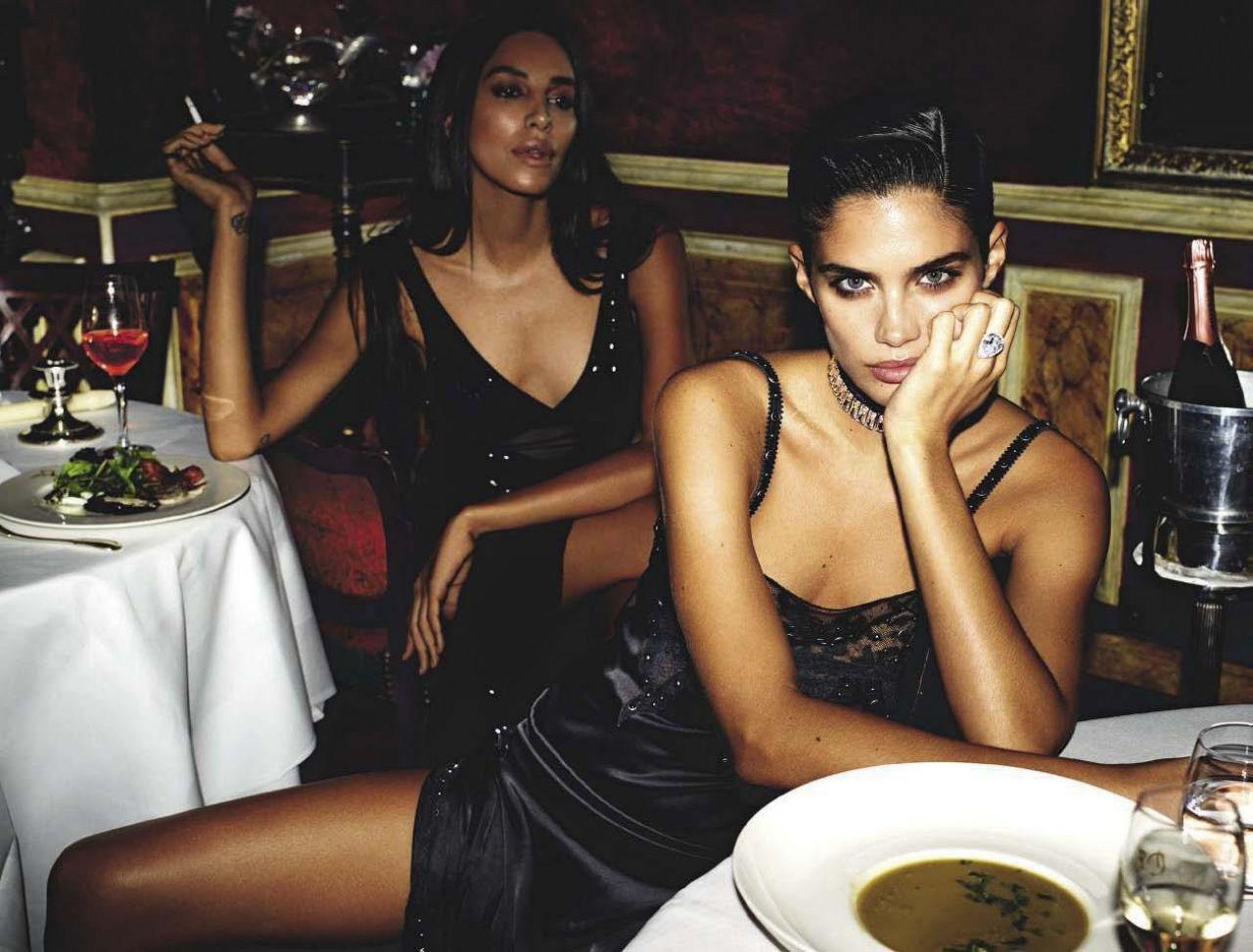 Celebrites Vogue Italia December 2017 nudes (13 foto and video), Tits, Cleavage, Instagram, lingerie 2017