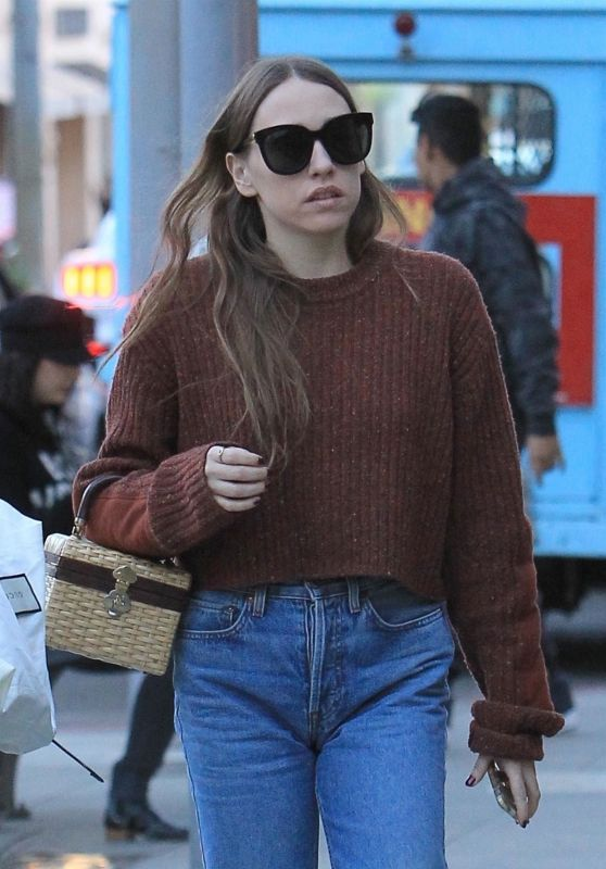 Sarah Sutherland Christmas shopping in Beverly Hills