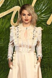 Selena Gomez – Fashion Awards 2017 in London