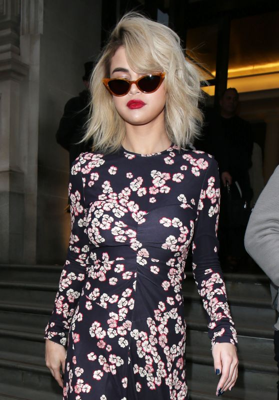 Selena Gomez - Goes to Coach Store in London