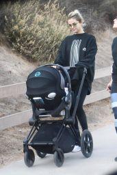Selena Gomez - Hiking in Los Angeles 12/18/2017