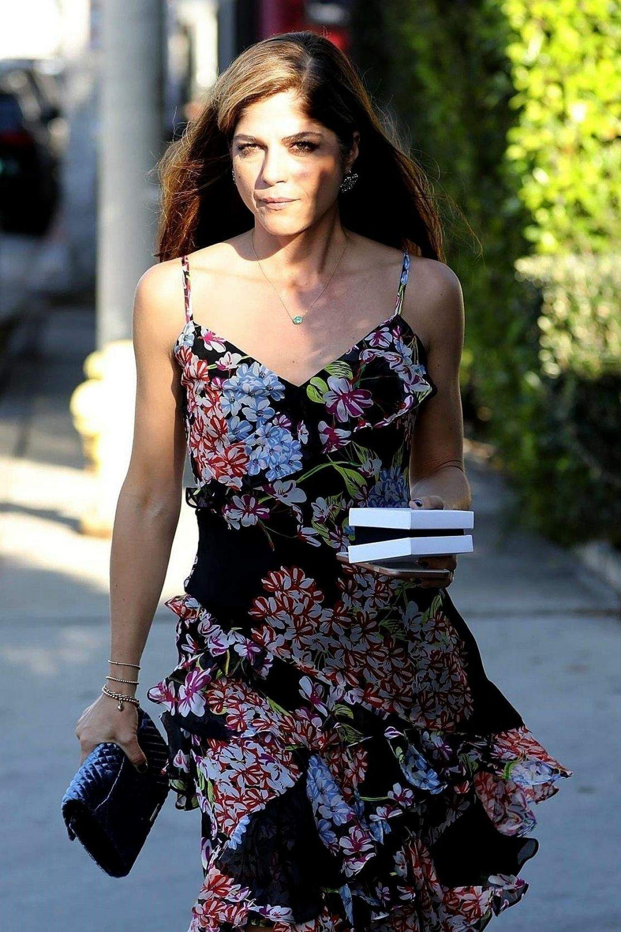Selma Blair Style - West Hollywood 12/01/2017