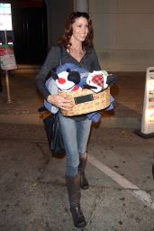 Shannon Elizabeth - Leaving Craigs in West Hollywood 12/10/2017