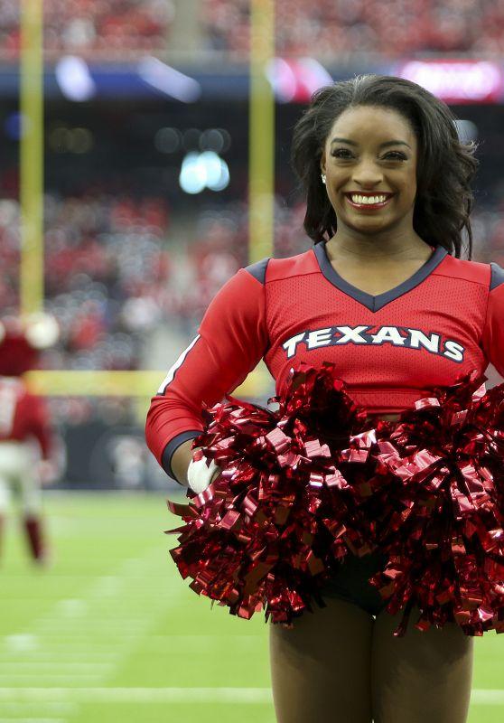 Simone Biles Performs With the Houston Texans Cheerleaders in Houston 12/10/2017