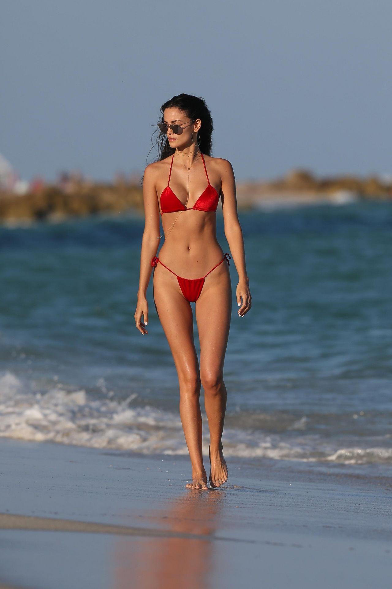 Sofia Resing in Skimpy Red Bikini in Miami Pic 3 of 35