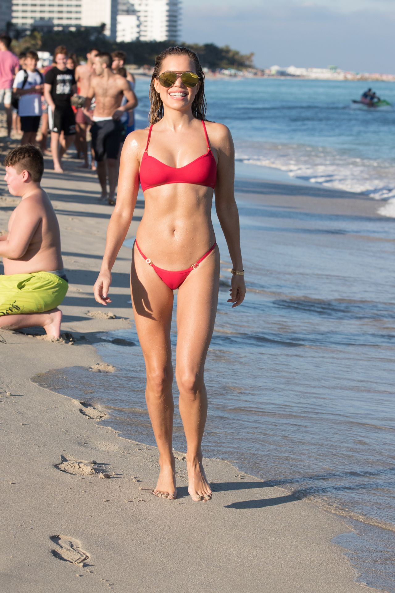 Sylvie Meis in Red Bikini on the beach in Miami Pic 3 of 35