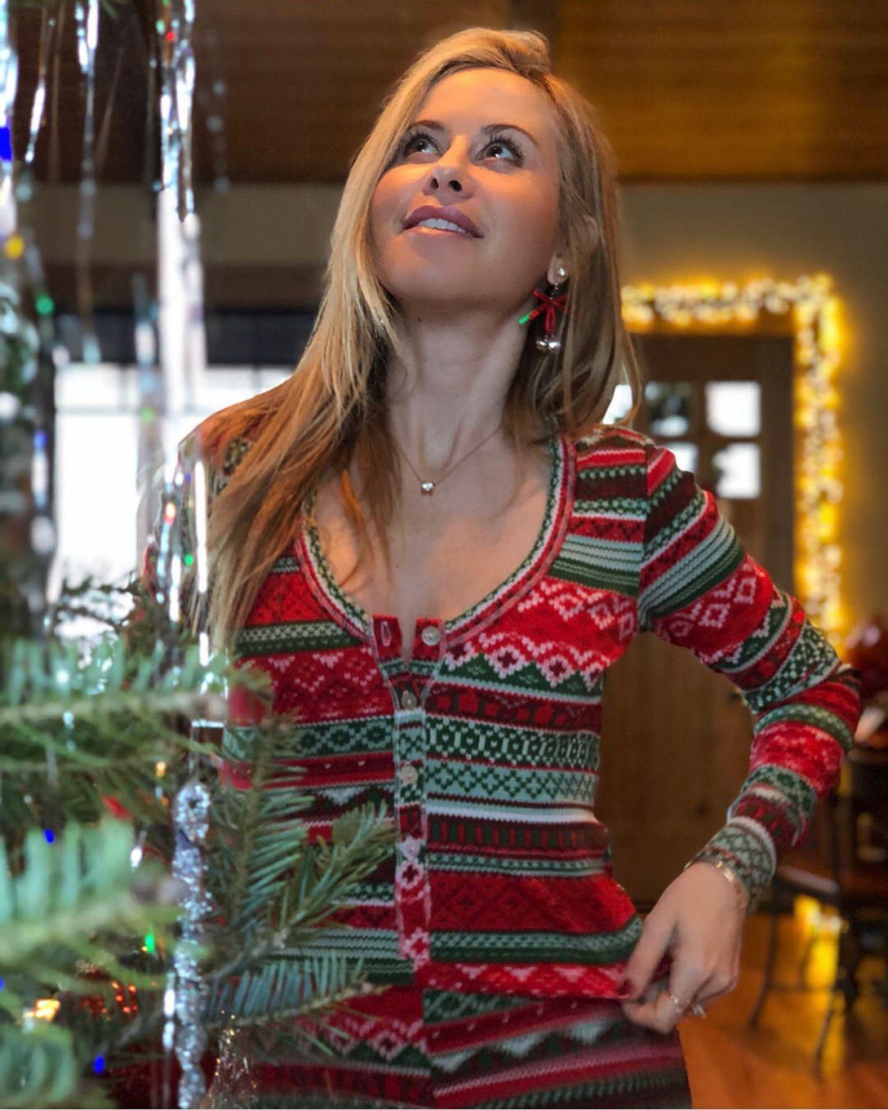 Tara Lipinski - Christmas 2017