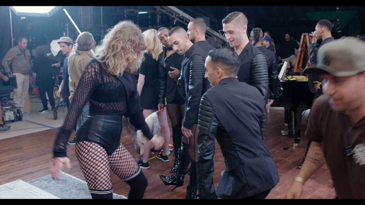 Taylor Swift The Dance Behind The Scenes Of Look What