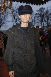 Tilda Swinton – Chanel Fashion Show in Hamburg