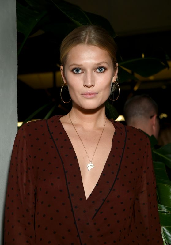 Toni Garrn – CR Girls 2018 Calendar Launch in New York