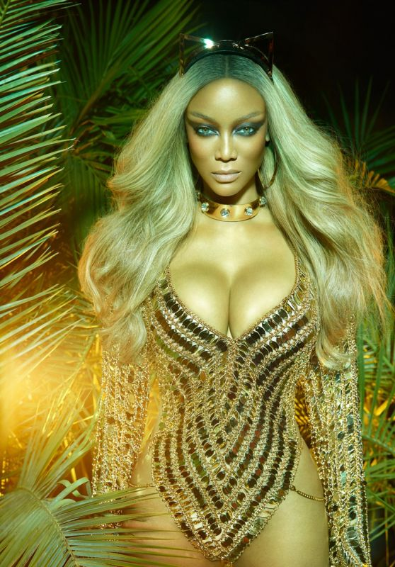 Tyra Banks - Photoshoot For Paper Magazine Winter 2017