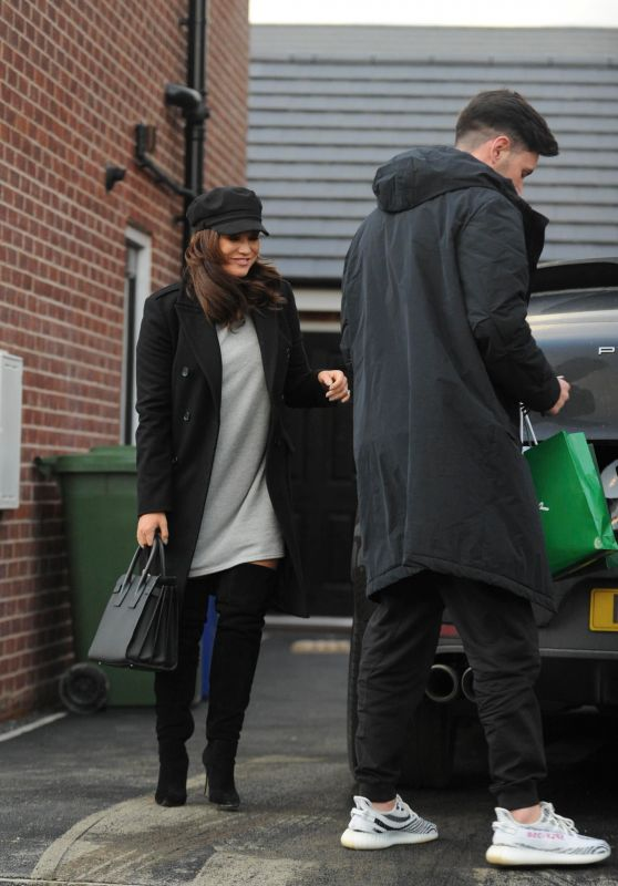 Vicky Pattison - Shopping in Newcastle 12/26/2017