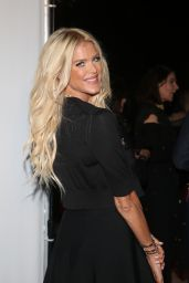 Victoria Silvstedt – Daily Mail Holiday Party 2017