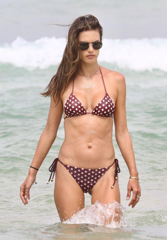 Alessandra Ambrosio Bikini Pics - Florianopolis 01/11/2018