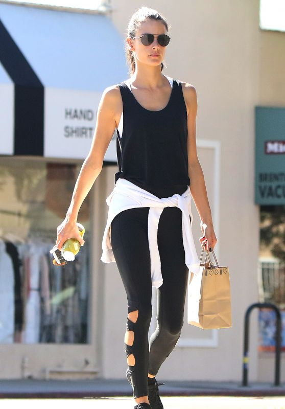 Alessandra Ambrosio in Spandex at Kreation Organic Juicery in LA