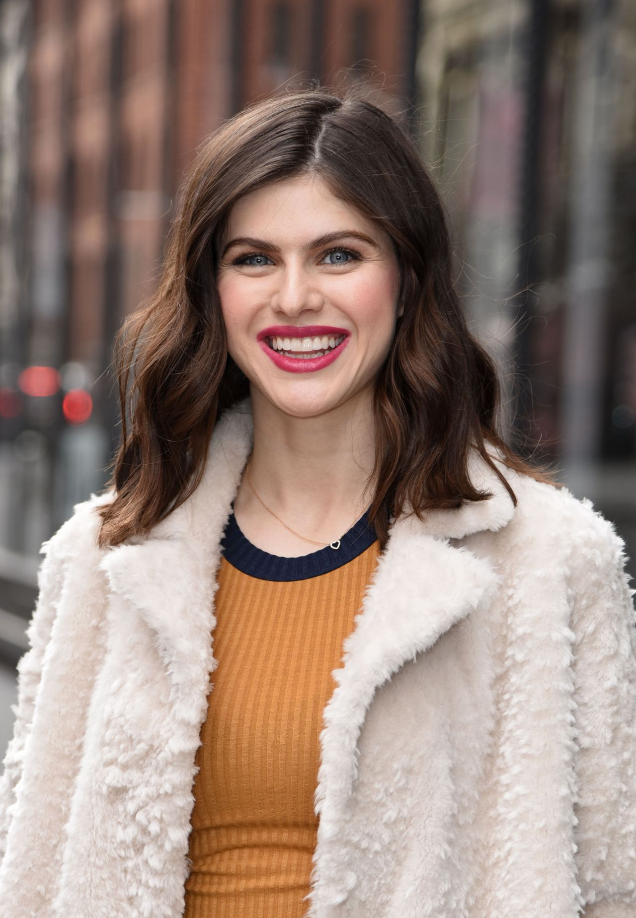 """Alexandra Daddario Style - Outside """"Aol Live"""" in NYC 01\/29\/2018"""