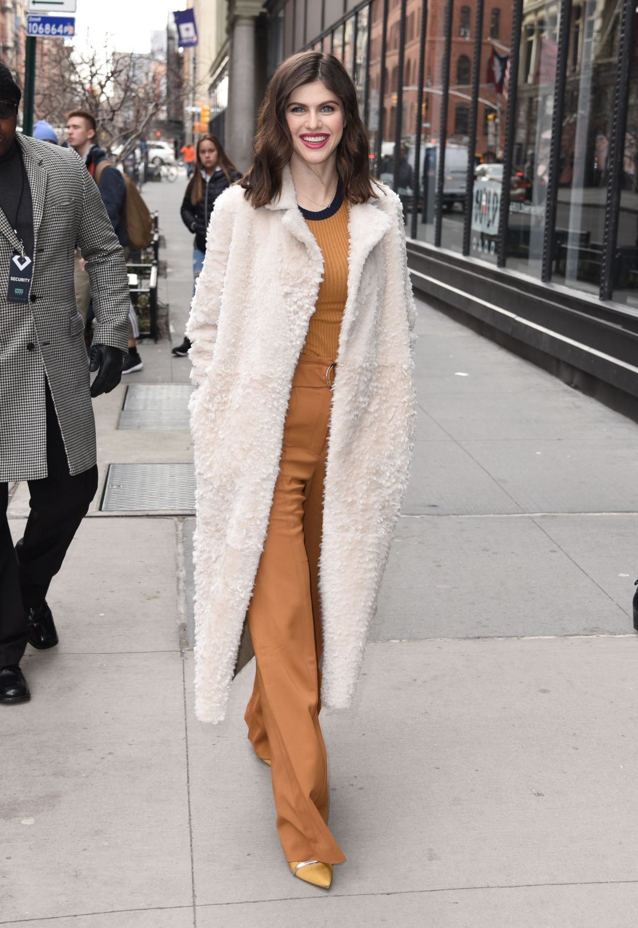 http://celebmafia.com/wp-content/uploads/2018/01/alexandra-daddario-style-outside-aol-live-in-nyc-01-29-2018-5.jpg