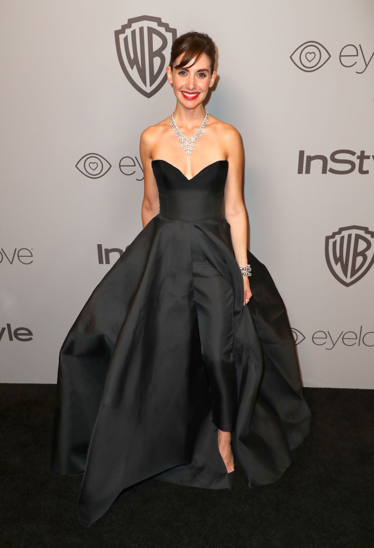 http://celebmafia.com/wp-content/uploads/2018/01/alison-brie-instyle-and-warner-bros-golden-globes-2018-after-party-1.jpg