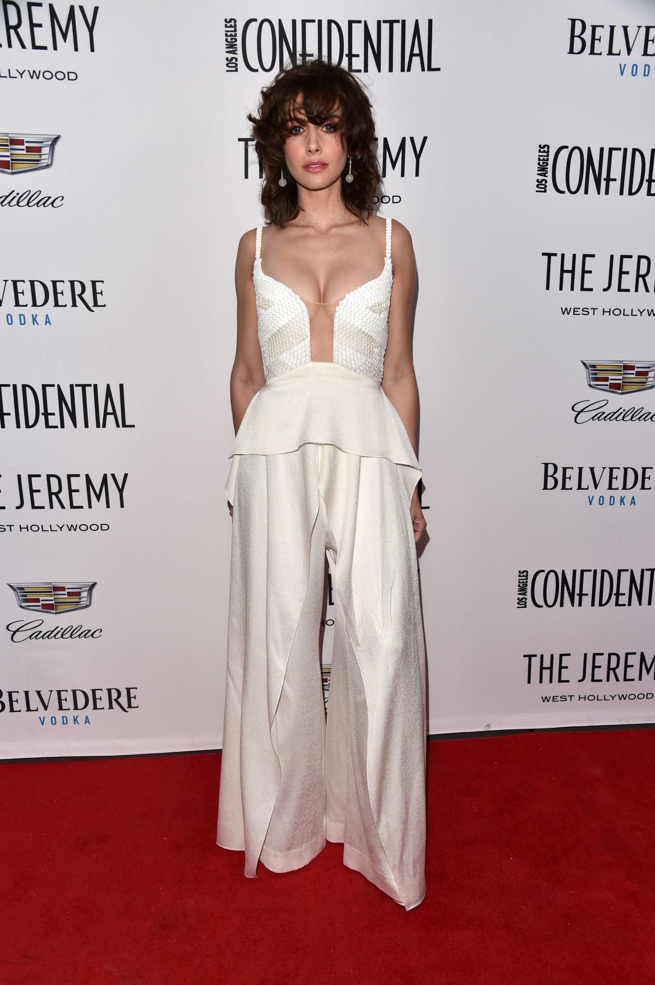 http://celebmafia.com/wp-content/uploads/2018/01/alison-brie-los-angeles-confidential-celebrates-awards-issue-9.jpg