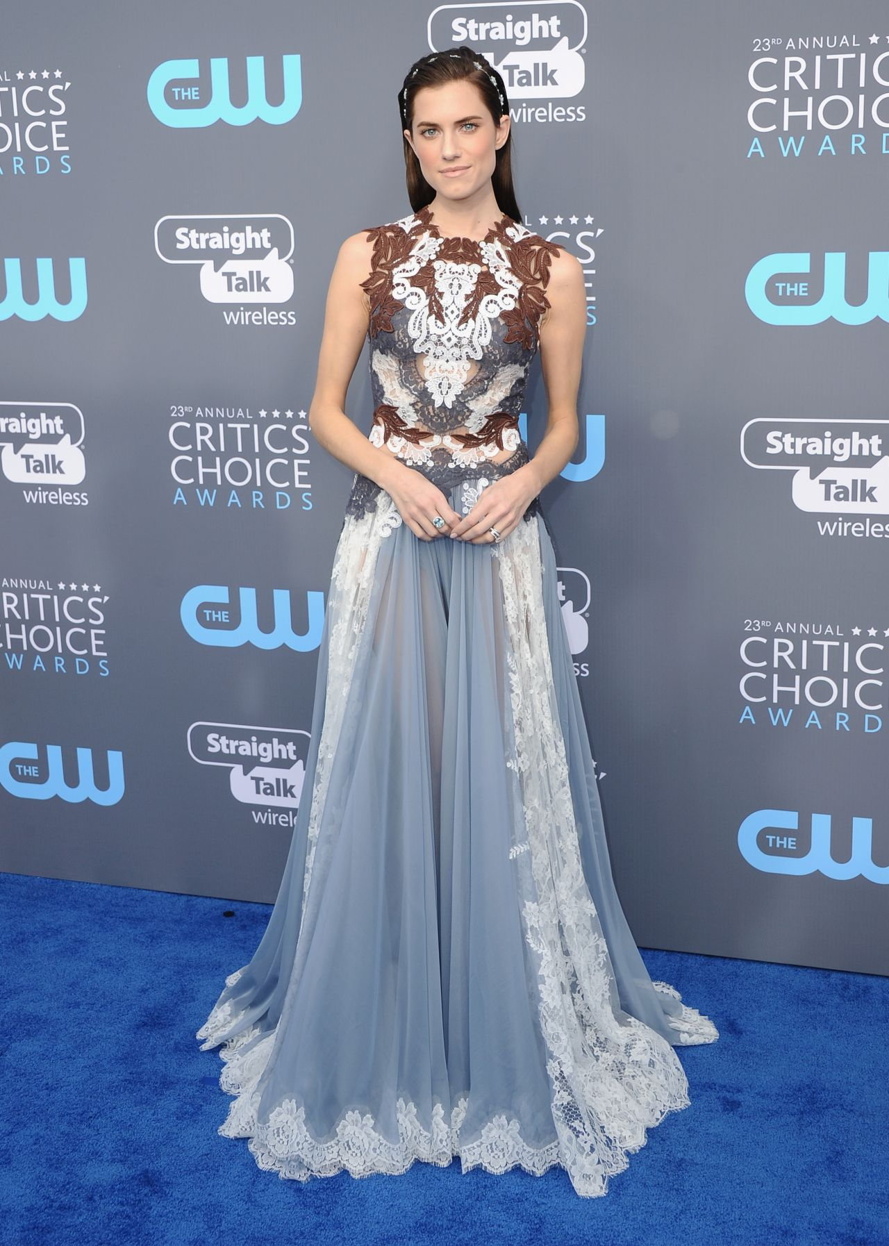 http://celebmafia.com/wp-content/uploads/2018/01/allison-williams-2018-critics-choice-awards-1.jpg