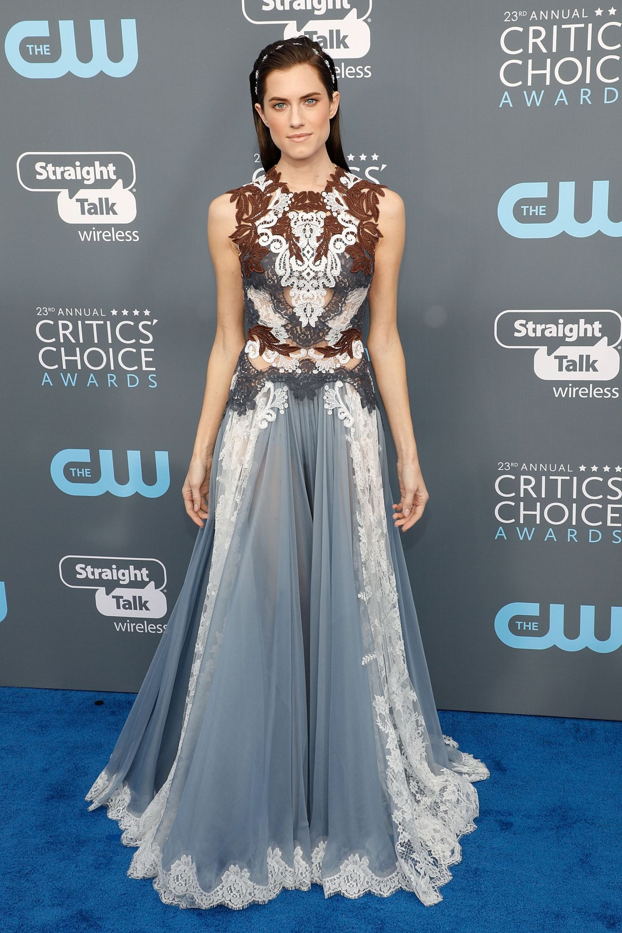 http://celebmafia.com/wp-content/uploads/2018/01/allison-williams-2018-critics-choice-awards-9.jpg