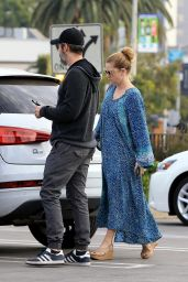 Amy Adams Leaves a Veterinarian Office in West Hollywood