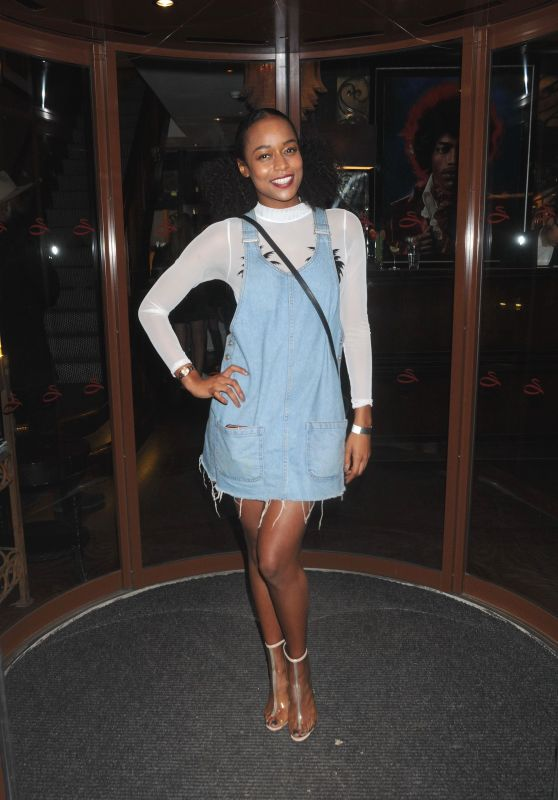 Analise Deyes – Curves modeling Agency Party in London