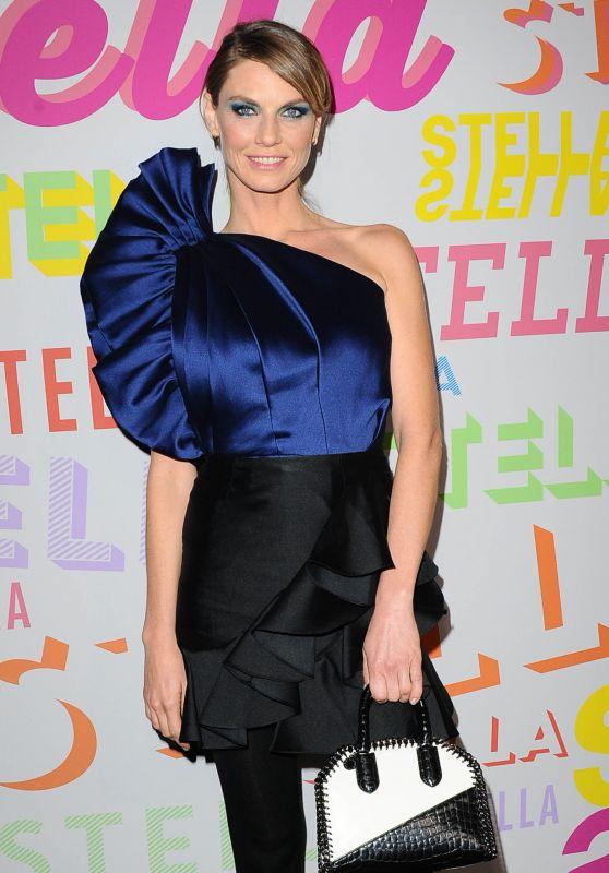 Angela Lindvall – Stella McCartney Show in Hollywood