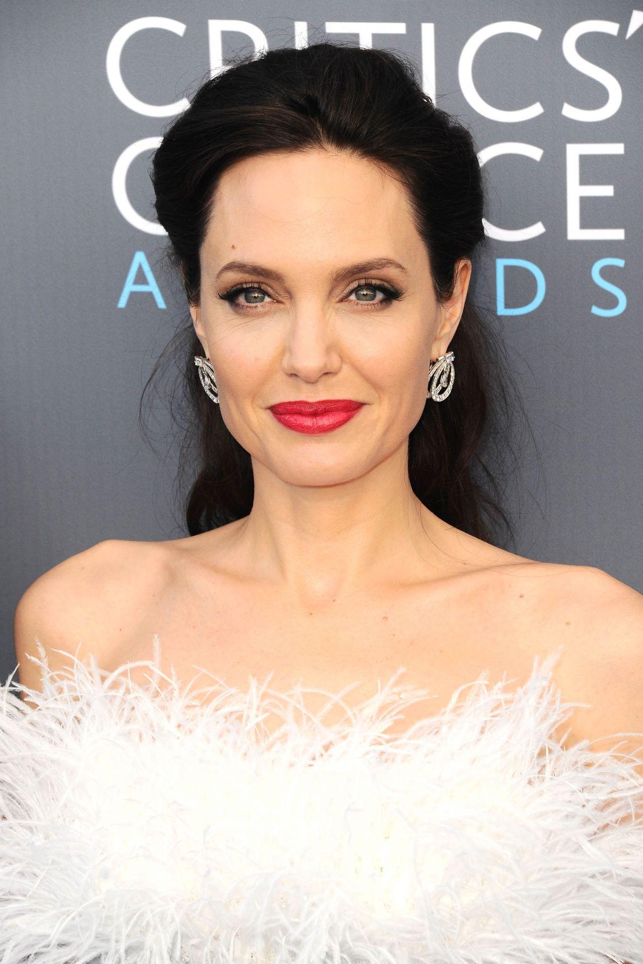 Angelina Jolie 2018 Critics Choice Awards
