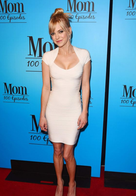 "Anna Faris -""Mom"" Celebrates 100 Episodes in Los Angeles"