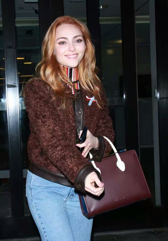 AnnaSophia Robb in Casual Outfit in NYC