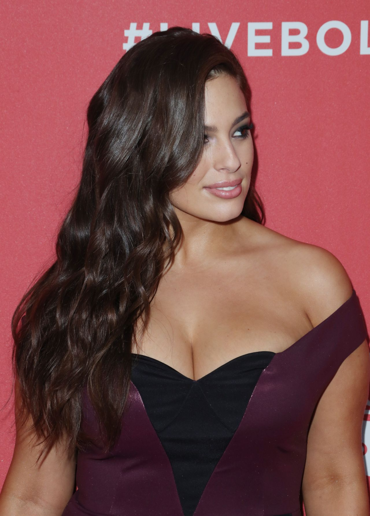 Ashley Graham Revlon S Quot Live Boldly Quot Campaign Launch In Nyc