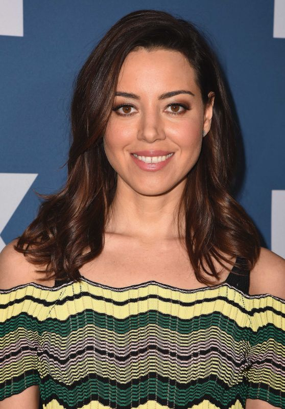 Aubrey Plaza – 2018 Winter TCA Tour FX Starwalk in Pasadena