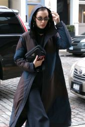 Bella Hadid is Stylish in NYC 01/28/2018