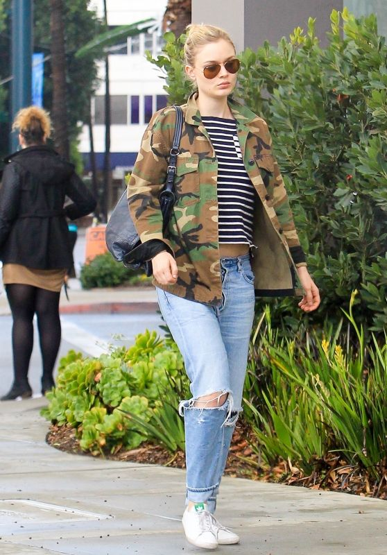 Bella Heathcote Street Style - Out in Los Angeles 01/09/2018