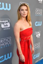Betty Gilpin – 2018 Critics' Choice Awards