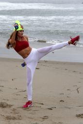 Blanca Blanco - Exercise on the Beach in Malibu